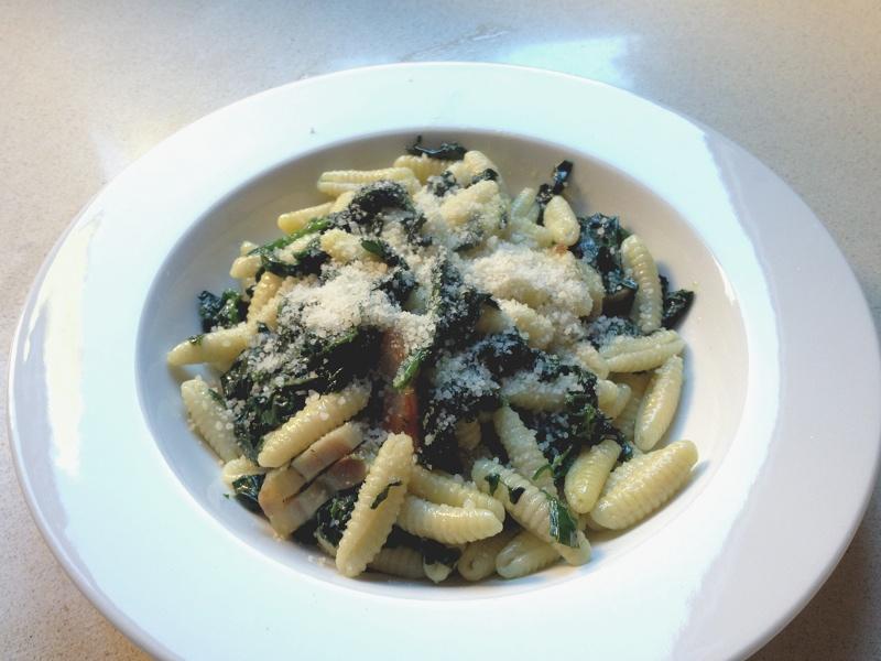 pasta amb espinacs i cansalada viada