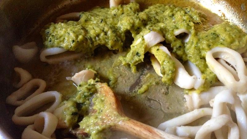 Calamarata amb carbassons i menta